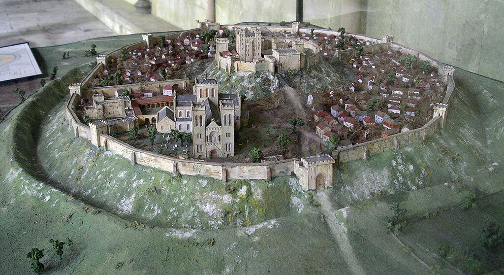 Old_Sarum_Model_from_West.jpg