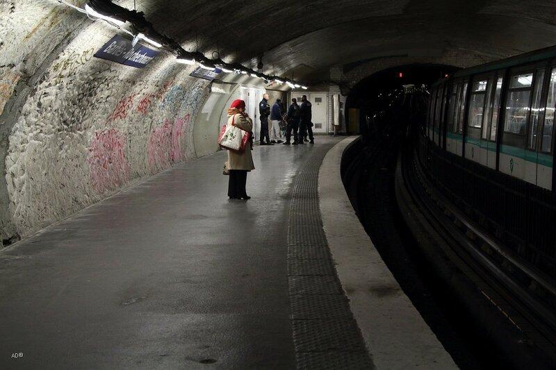 Парижское метро, Барбес - Рошешуар