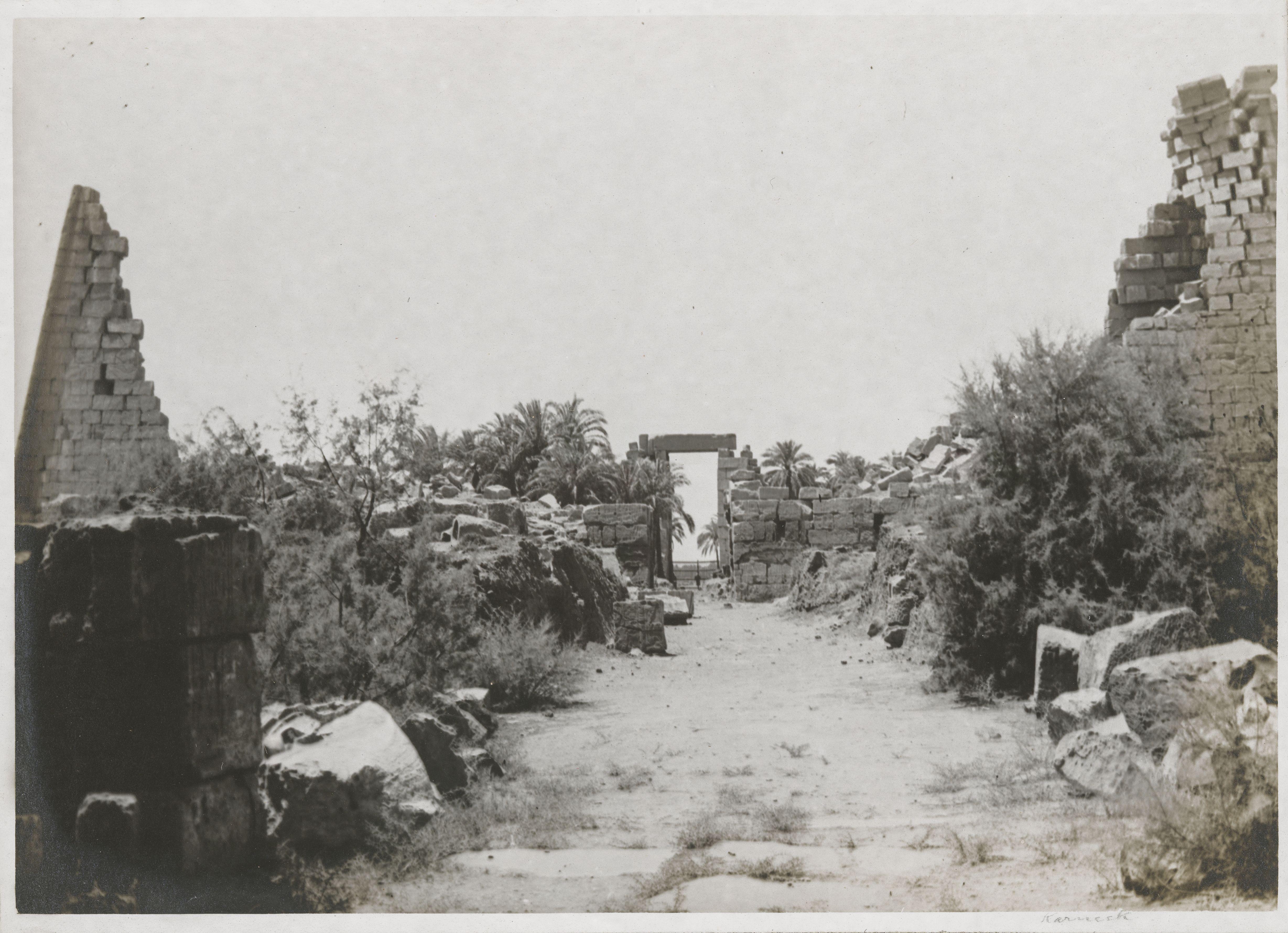 Карнак. Развалины пилонов Хоремхеба