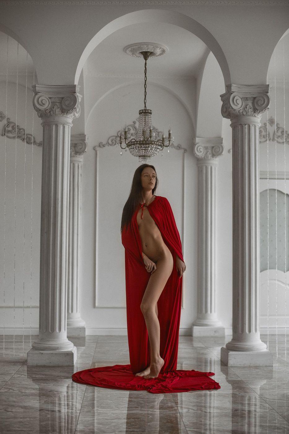 Красивое «Ню» Леонида Мочульского