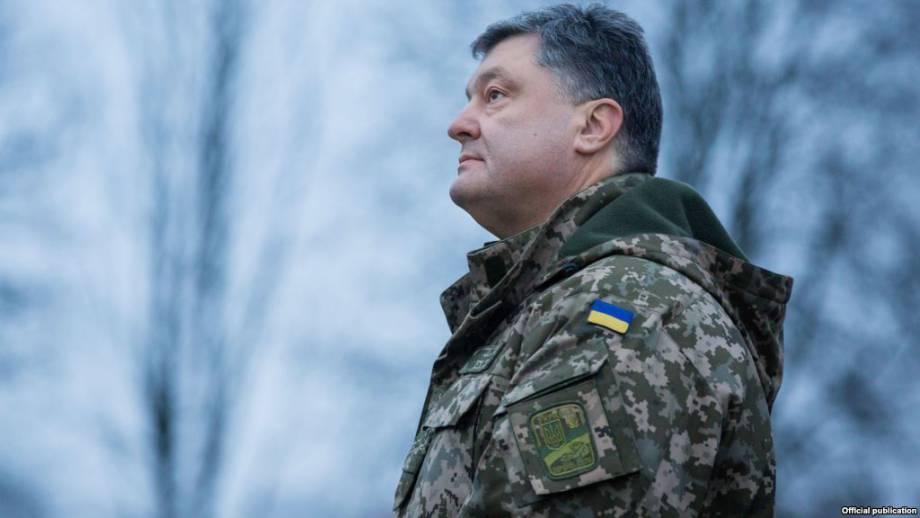 Порошенко заявляет о намерении инициировать возобновление военных судов