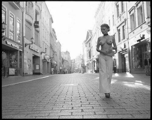 Уличное ню фото (№3). 18+