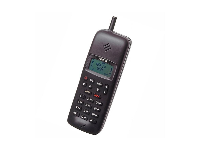 1992 год: Nokia решила сосредоточиться исключительно на мобильных телефонах и сетевой инфраструктуре