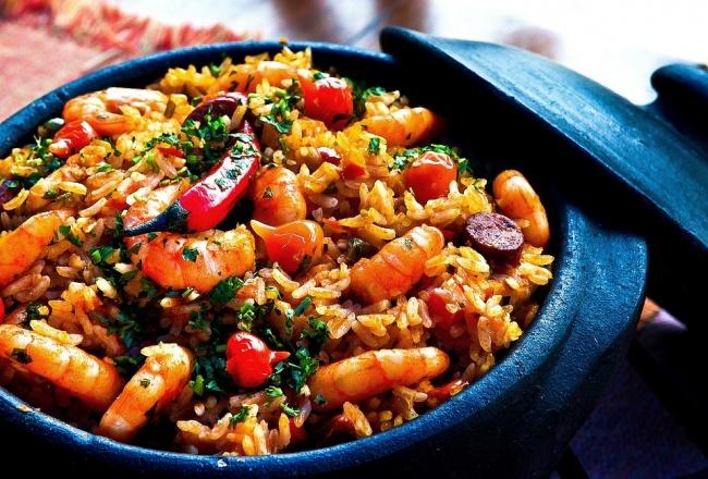 Рис содержит витамины, микроэлементы, аминокислоты, нотакже споры бактерий, которые могут сохранять