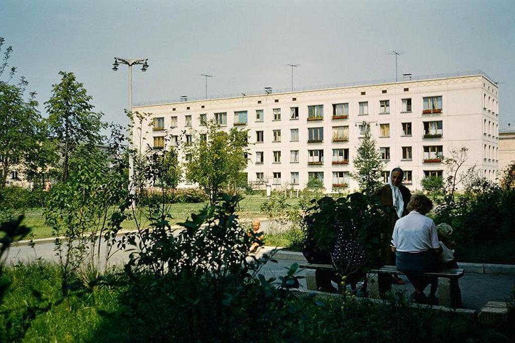 Хрущевки представлялись идеалом городского жилья: индивидуальные квартиры с собственным санузлом и ц