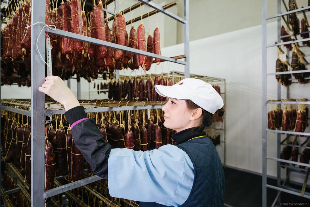 18. Это уникальный завод полного цикла переработки скота и мяса, расположенной на одной площади, кот
