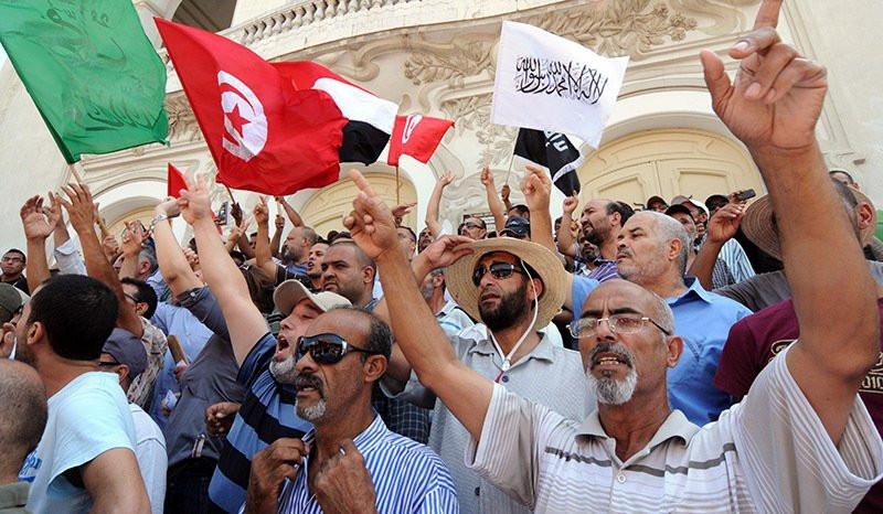 МИД Украины призывает украинцев непосещать Египет вближайшие три месяца