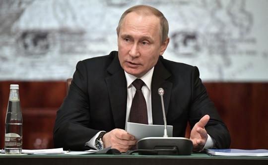 Ялта: Путин одобрил проект позапуску кораблей сподводным крылом Сочи