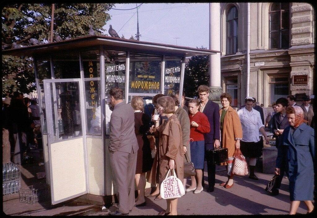 199803 Ул. 25 Октября 1964.jpg