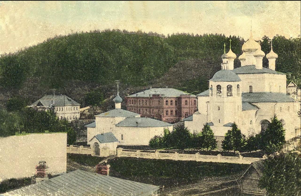 Комплекс церкви Воскресения Христова и Сапожниковская богодельня.
