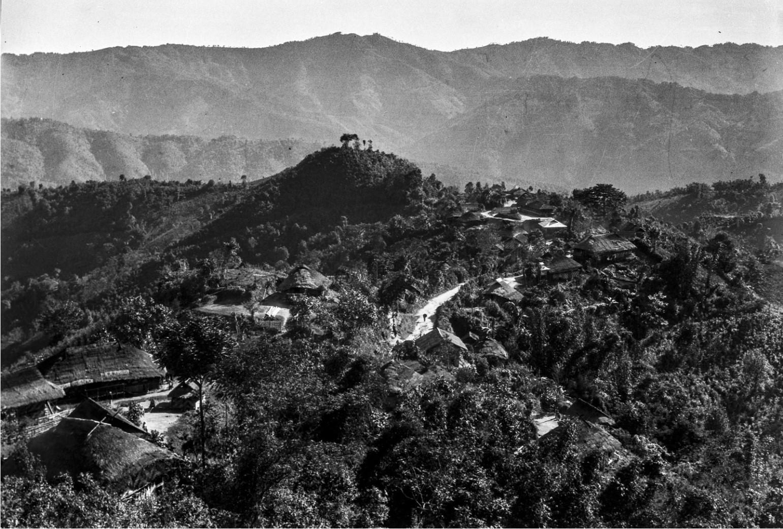 905. Деревня в горах