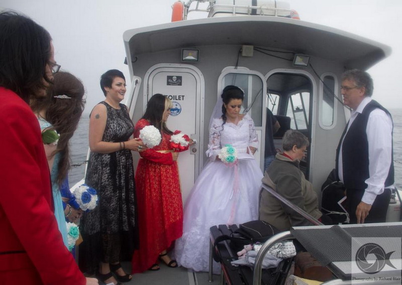 Британка вышла замуж за 300-летнего призрака пирата
