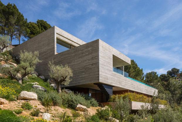 Villa Boscana by OLARQ Osvaldo Luppi Architects