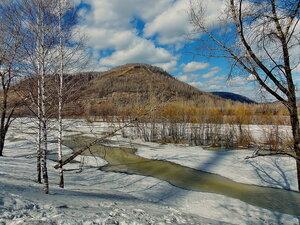 Река Уса и гора Лысая