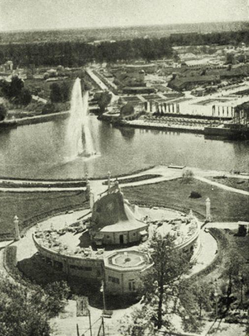 Строительство павильона «Главхладпром» — 1937 г..jpg