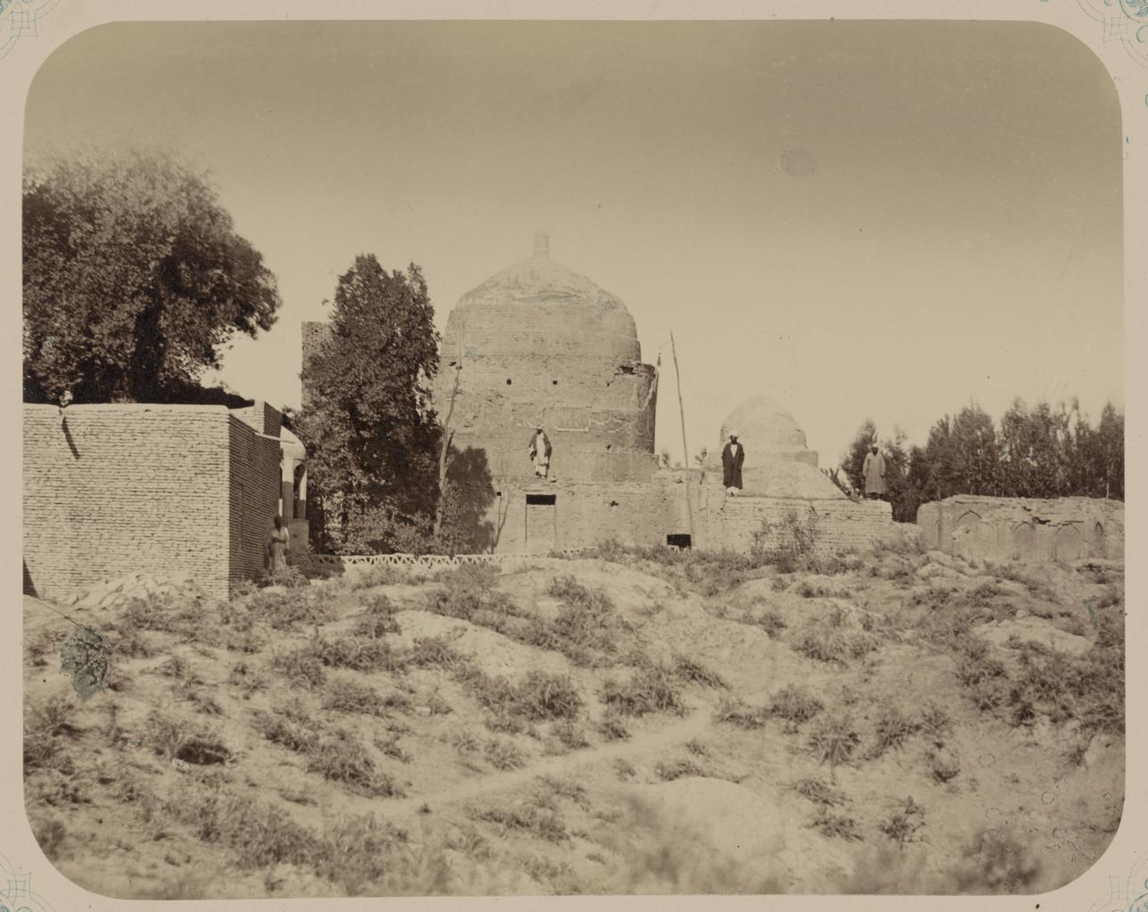 Мавзолей Ходжа Абду-Дарун. Общий вид мавзолея с юго-запада