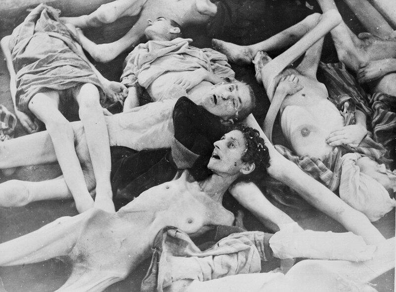 Трупы людей, замученных в Освенциме