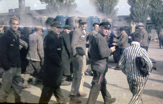 Color-Photographs-of-Life-in-The-First-Nazi-Concentration-Camp-1933-6.jpg