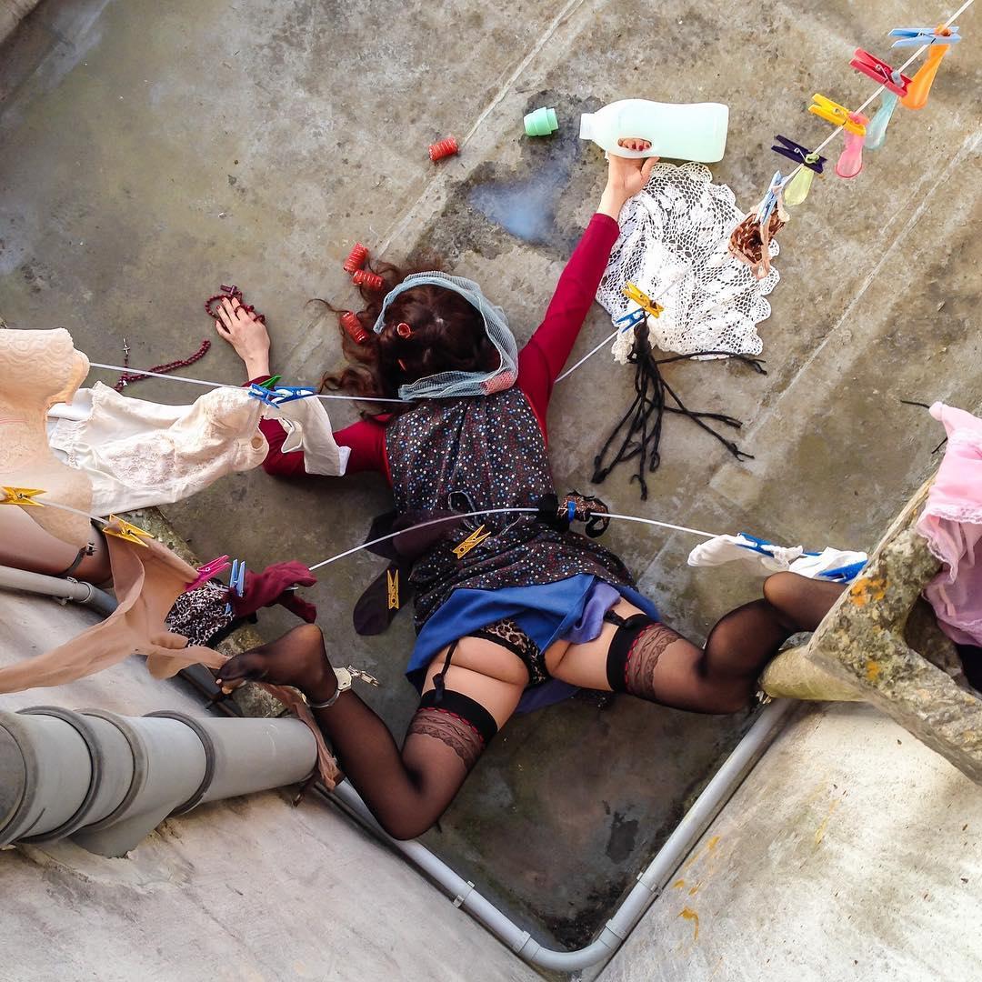 Упавшие люди в проекте итальянского фотографа