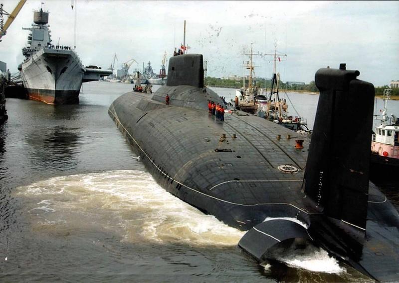 0 1801a4 e00daf1a orig - Самая большая подлодка в мире. Конечно, наша - русская.