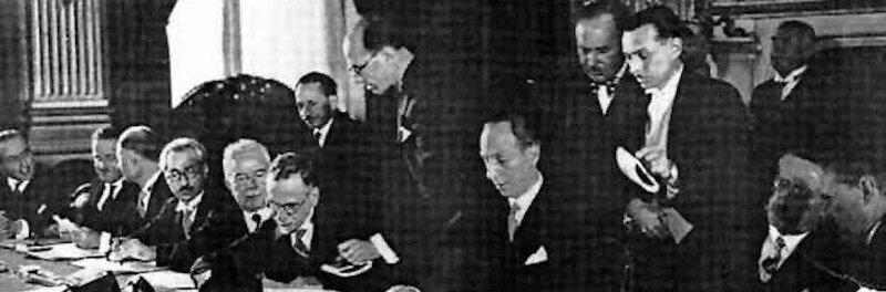 8668-The_National_Bloc_signing_the_FrancoSyrian_Treaty.jpeg