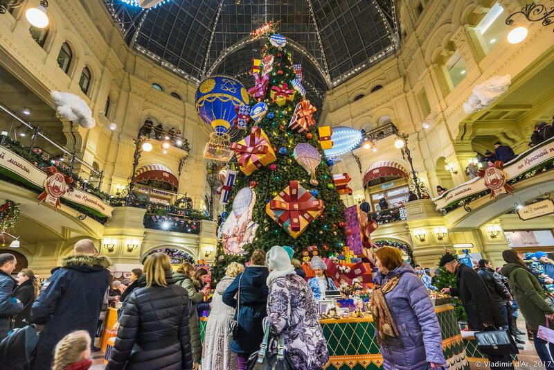 Новогодняя елка в ГУМ-е
