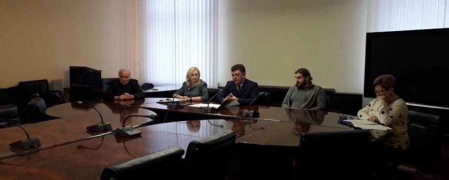 Павлоградці объявили бессрочную голодовку в облсовете «из-за неопределенности с руководством больницы»