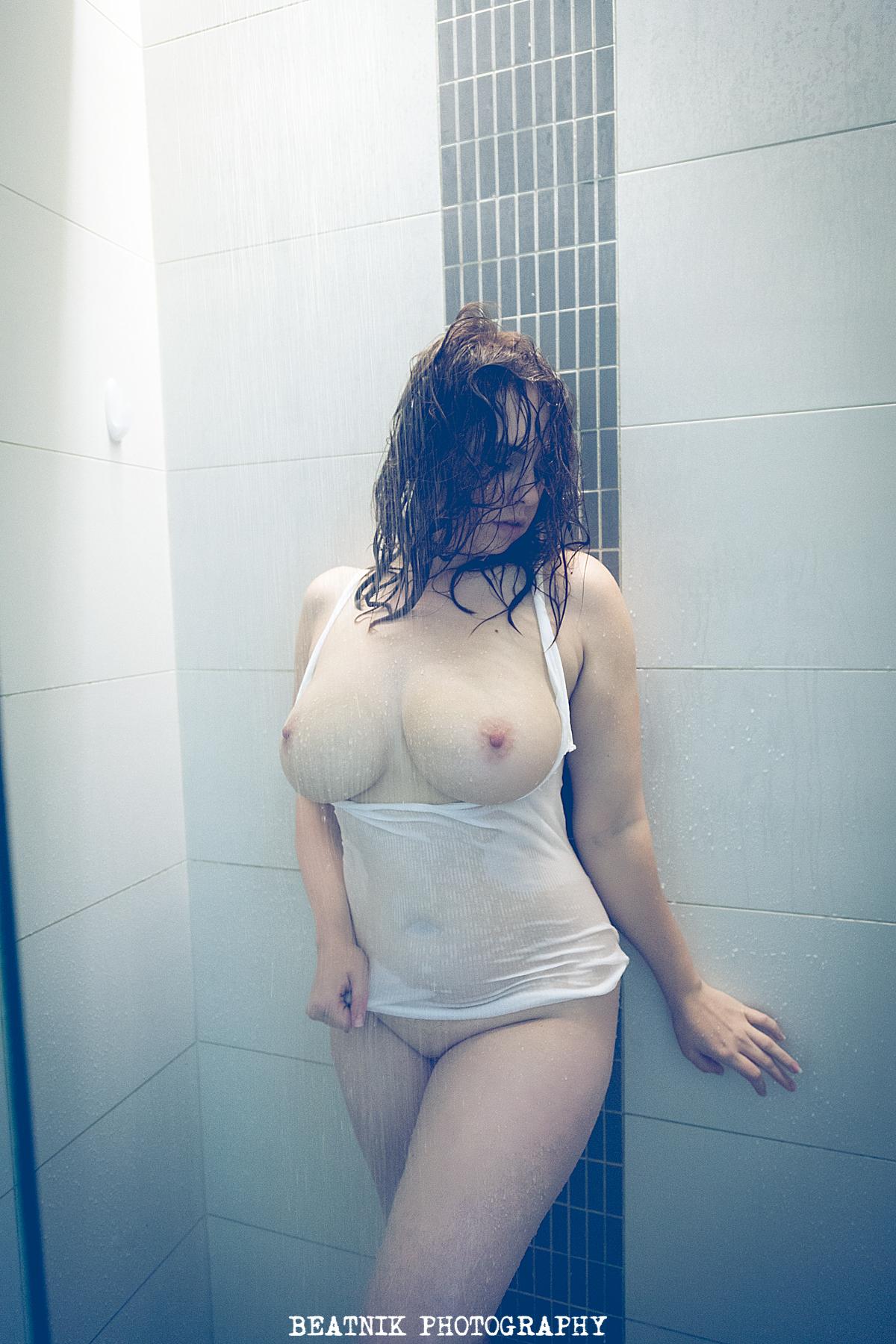 Большая грудь / Beatnik Photographer