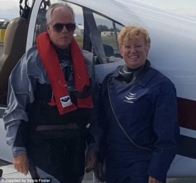 Вышли на пенсию и начали жить: пожилая пара построила самолет и улетела в кругосветку (6 фото)