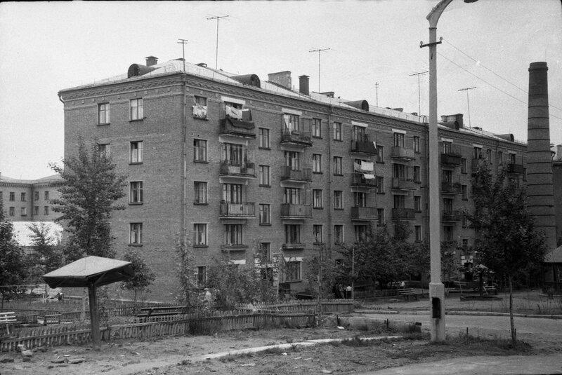 МОСКВА, УЛ. ПРЖЕВАЛЬСКОГО, 12. ФОТО 1963 ГОДА