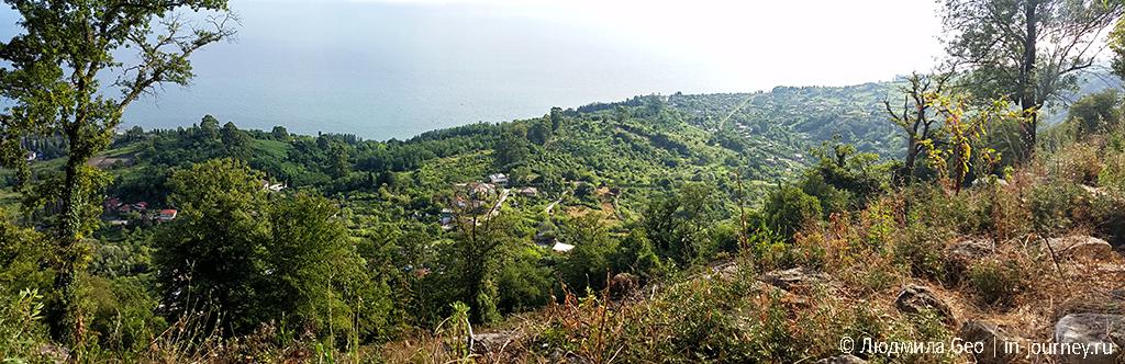 панорама вида на море со склона Иверской горы