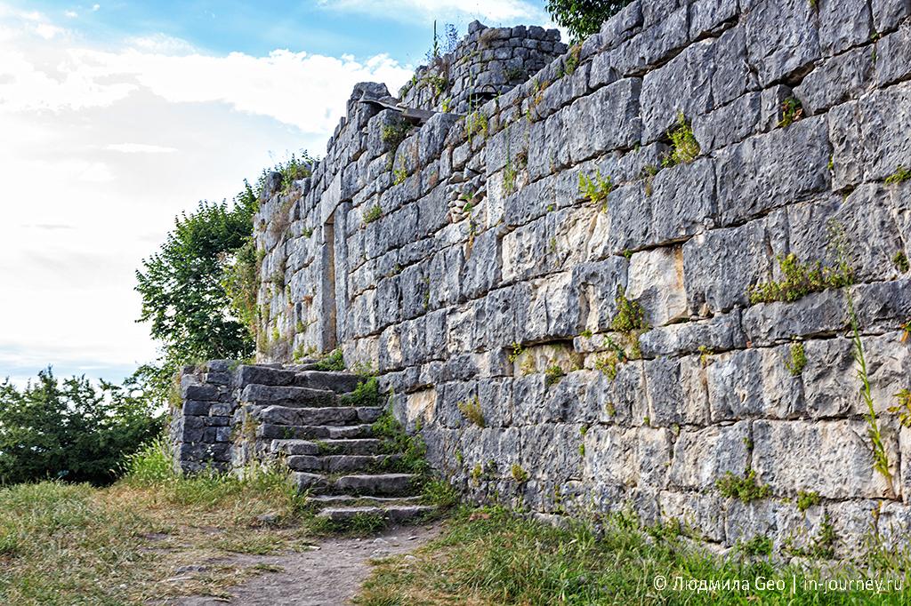 крепость на Иверской горе в Новом Афоне