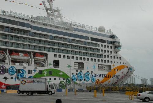 Этот красавец готов выйти из порта Майами...
