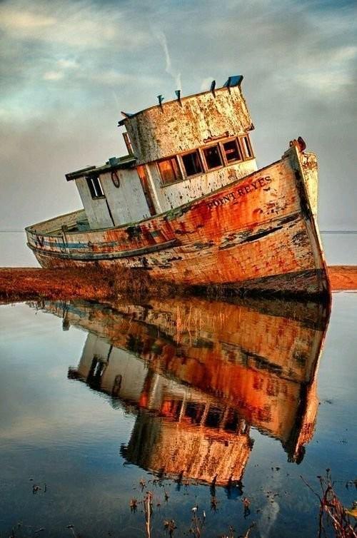 0 182bf4 7ea1c5ab orig - На мели: фото брошенных кораблей