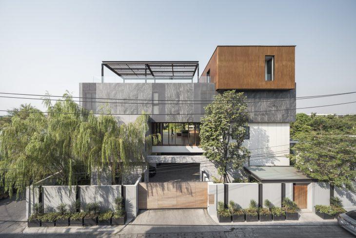 EKAR  designed this inspiring 1726.0 m2 mansion, located inKhwaeng Bang Bumru,