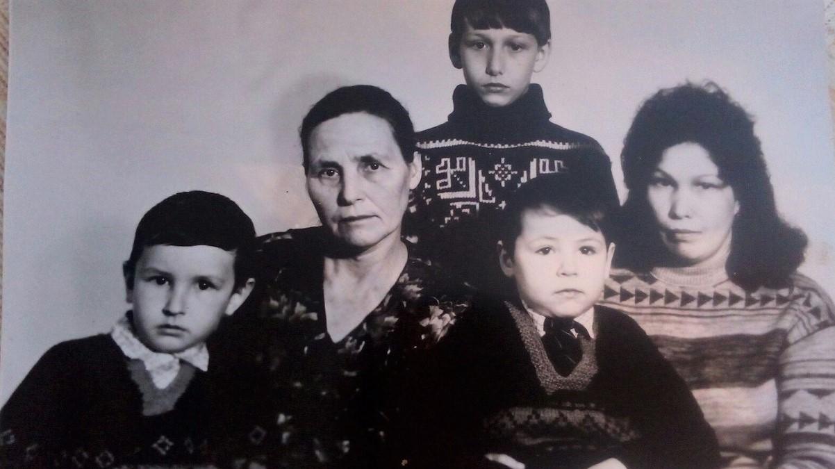Школьный музей И.В. Сарычева пополнился новыми экспонатами