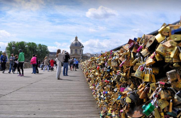 Мост Искусств в Париже (17 фото)