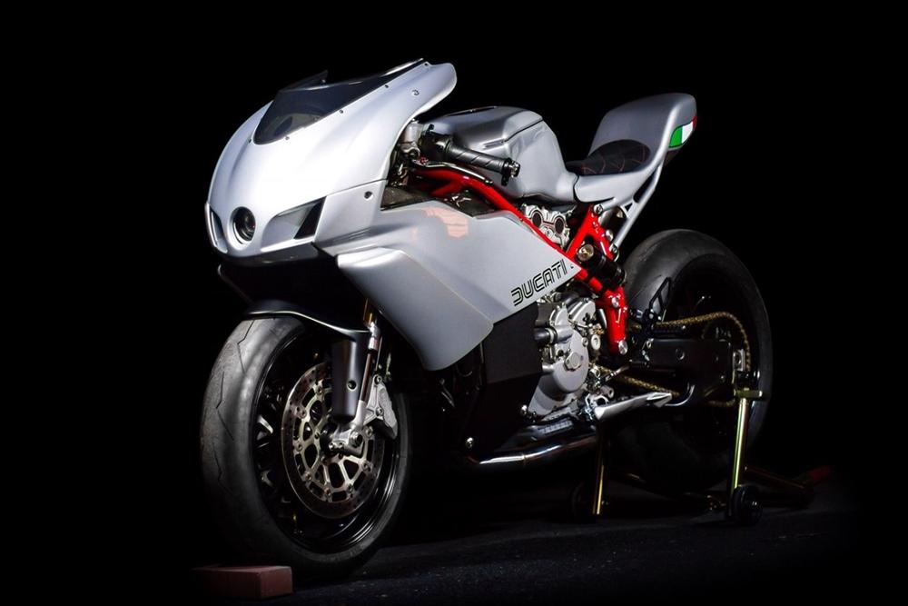 Эндрю Джет: кастом Ducati 749