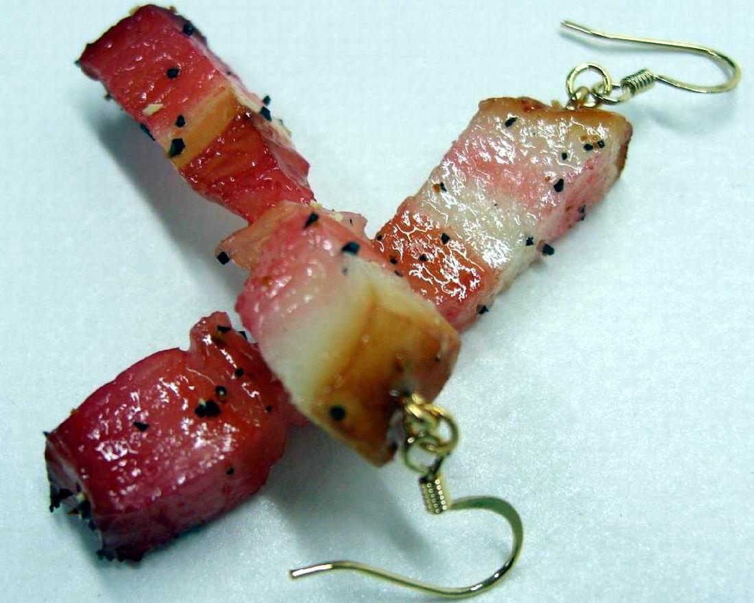 И два кусочка сала: Японские сережки в украинском стиле