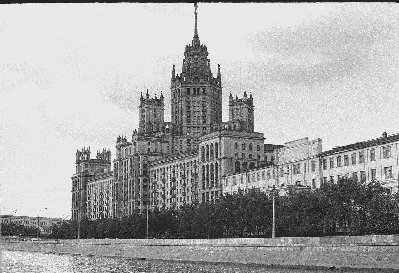 194923 Котельническая набережная И. Нагайцев. нач. 80-х.jpg