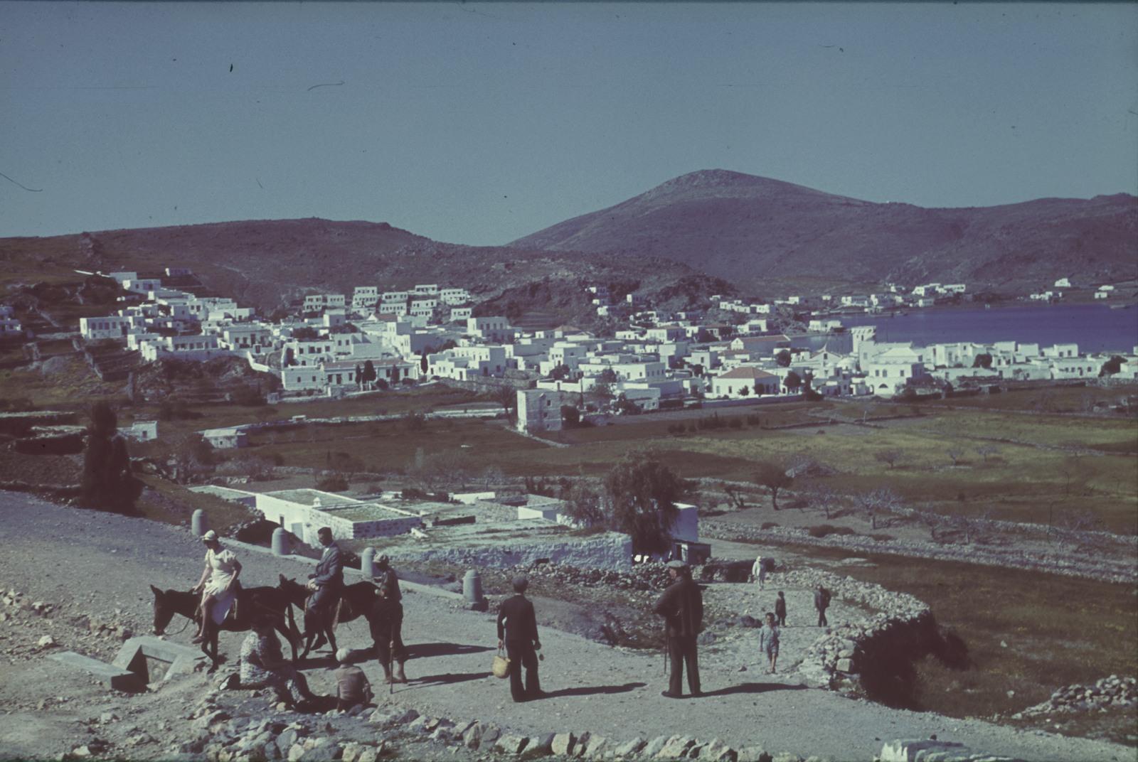 Родос. Вид на окрестности. На заднем плане гора Атавирос