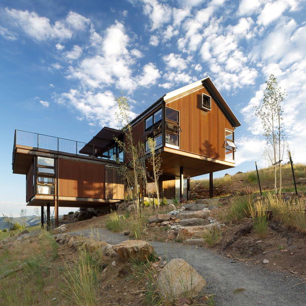 Дом для семьи на склоне в США