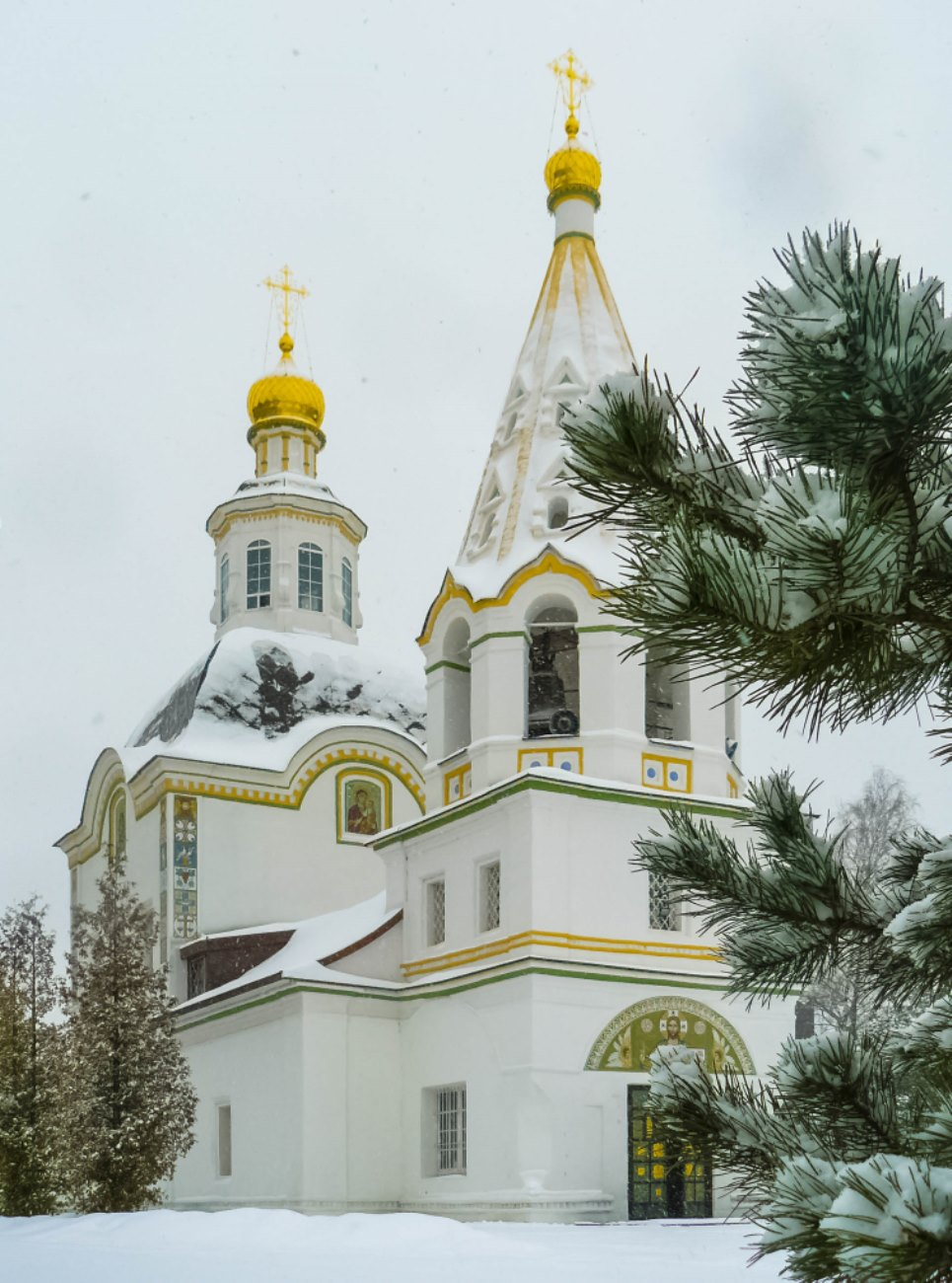 irina-fortuna-uspenskoye-estate-church 05.jpg