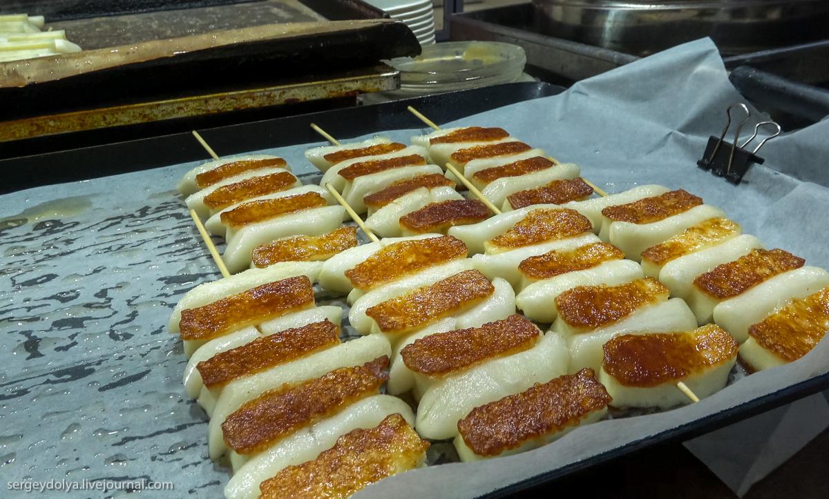 Ни одна собака не пострадала: что попробовать из уличной еды в Сеуле