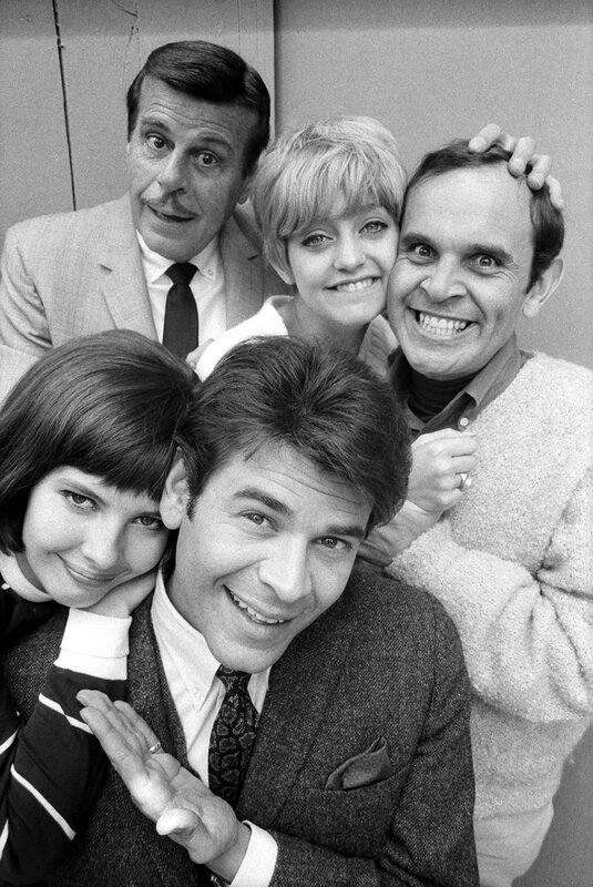 Cast portrait of the television show 'Good Morning World,' July 7, 1967. Back row, from left, American actors Billy DeWolfe (1907 - 1974), Goldie Hawn, and Ronnie Schell; front row, Canadian actor Joby Baker and American actress Julie Parrish (1940 - 2003