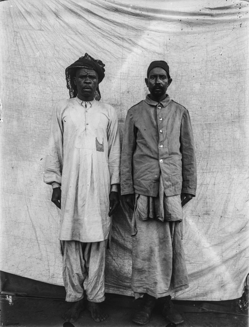 74. Портрет двух солдат германских колониальных войск