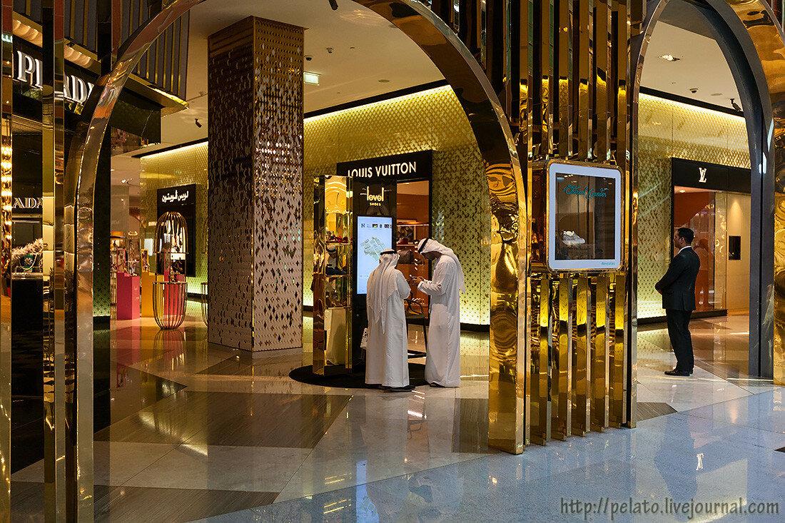 Louis Vuitton Dubai Mall молл Dubai Дубаи ОАЭ UAE