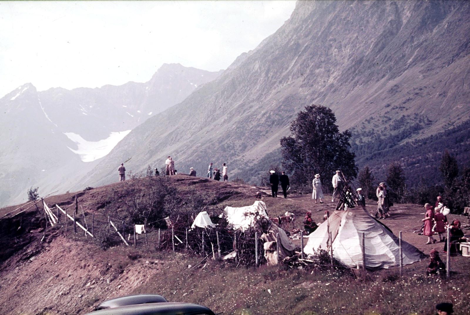 Люнген-фьорд. Саамский палаточный лагерь в Лингсейдете