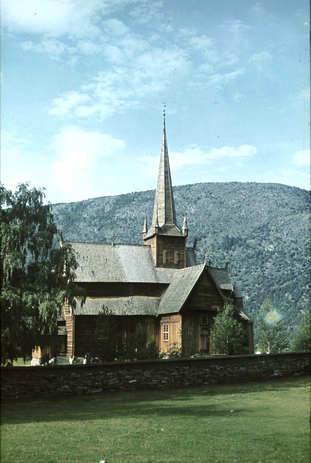 Лом. Старая церковь