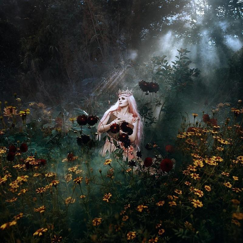 0 17e881 60970a7d orig - Магические портреты девушек от Беллы Котак